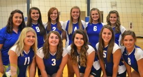 The 2014 Centreville varsity volleyball team | By Chris Carpenter