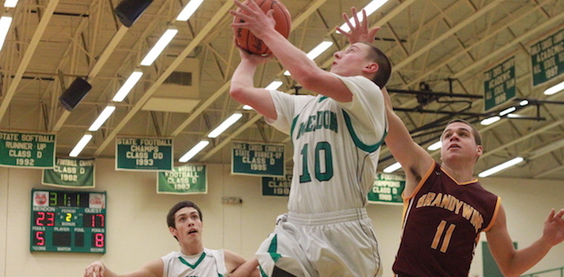Mendon boys hang on for home win over Brandywine