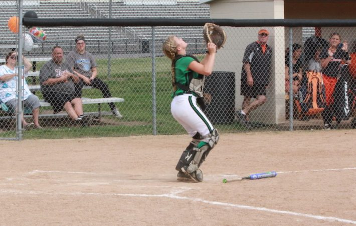 Mendon catcher Brooke Gabbard signs with Glen Oaks for softball